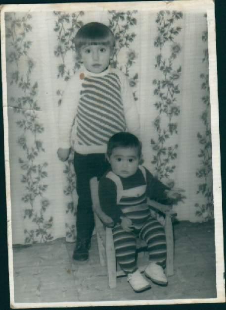 De pequeño con mi hermana